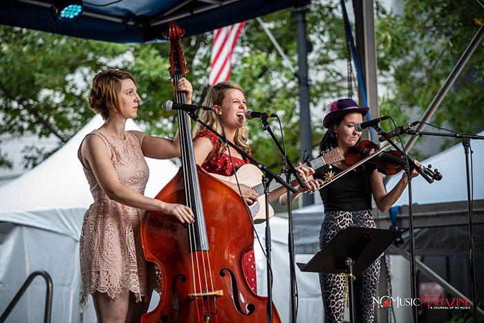 Gingersnaps performing
